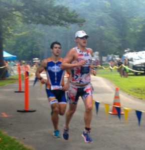 Matias Palvecino chasing John Kenny at Luray Triathlon