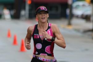 krista schultz finishing galesburg half marathon